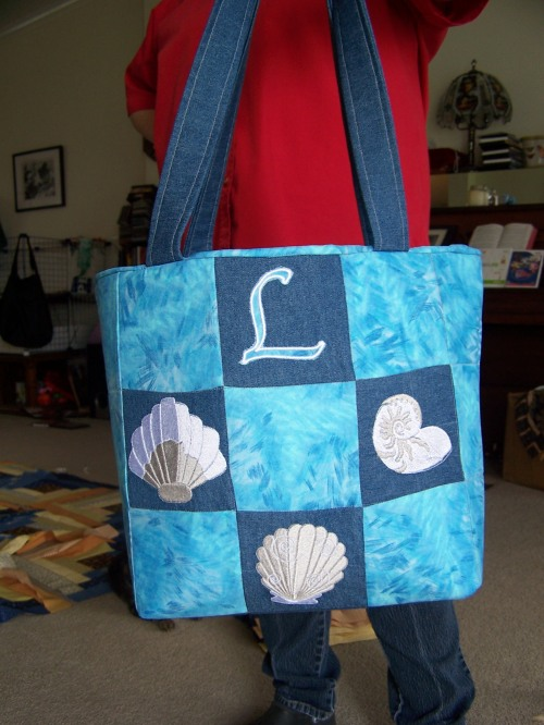 Tote bag for LouEtta's birthday  $35 with 1 motif