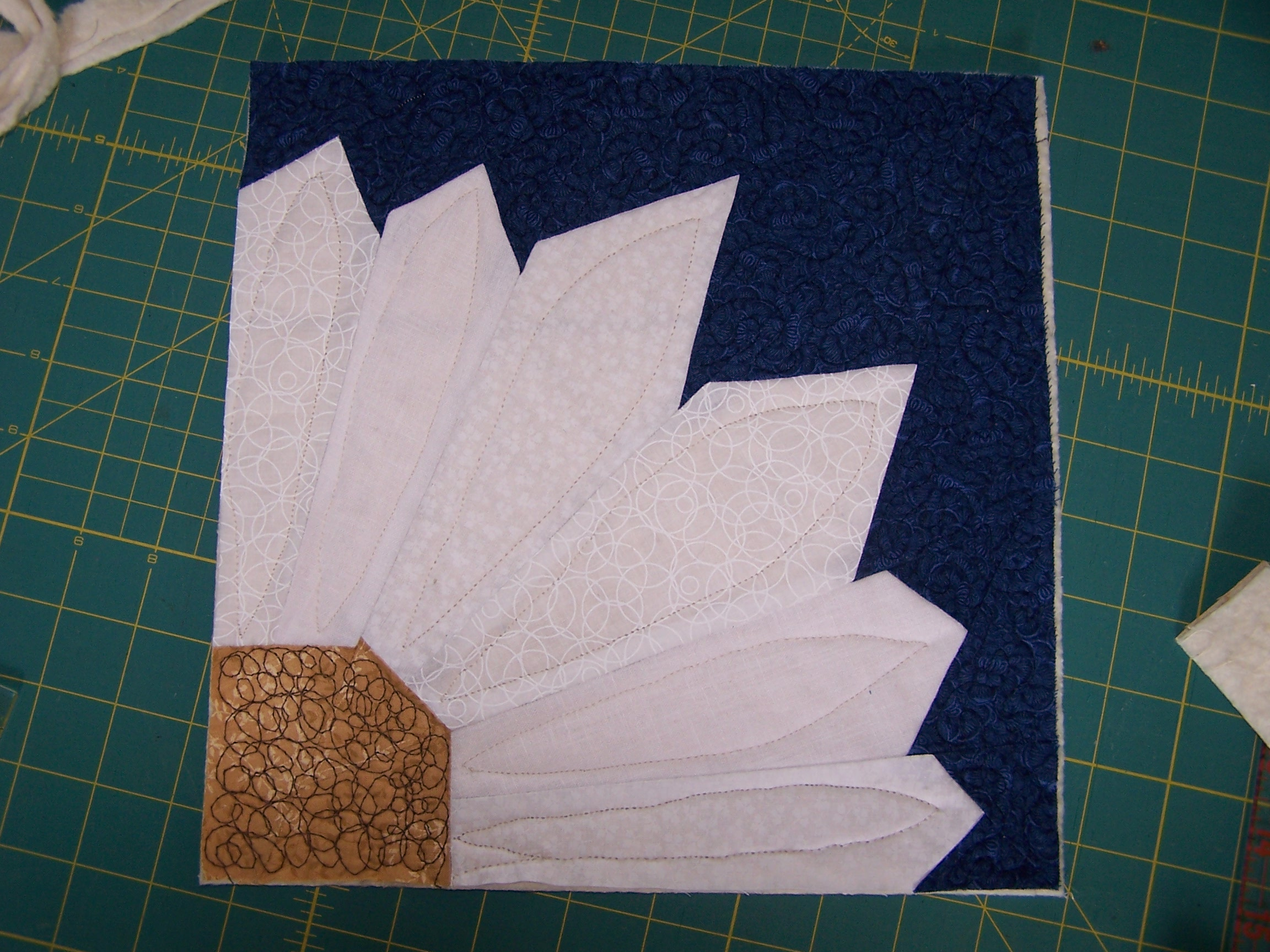 sewhooked blog hop    with free paper piece pattern